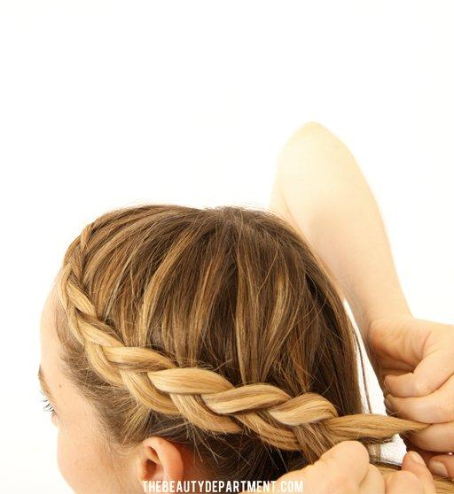 Как сделать прическу из косички самой если волосы короткие